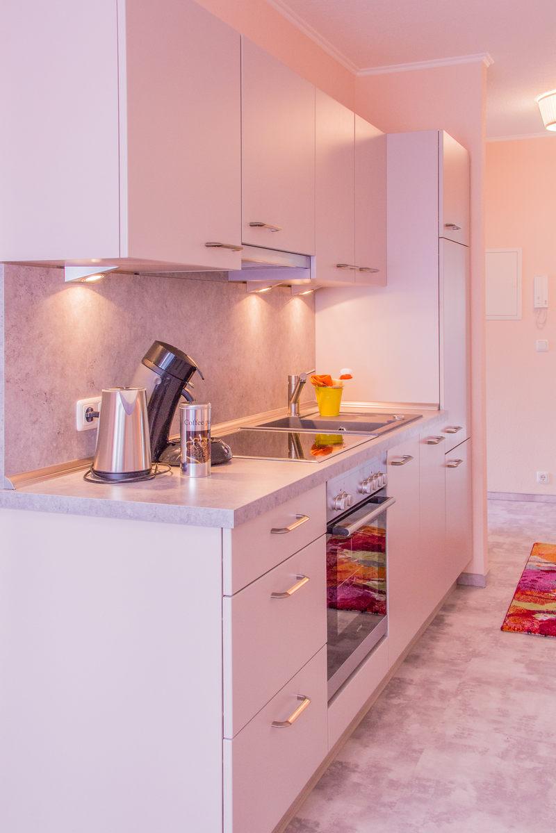 Küchenzeile & Kochbereich Apartment Bernstein - Pension-Wildau
